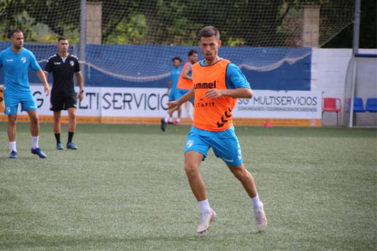 Nando Quesada, durante un entrenamiento   CD Ebro