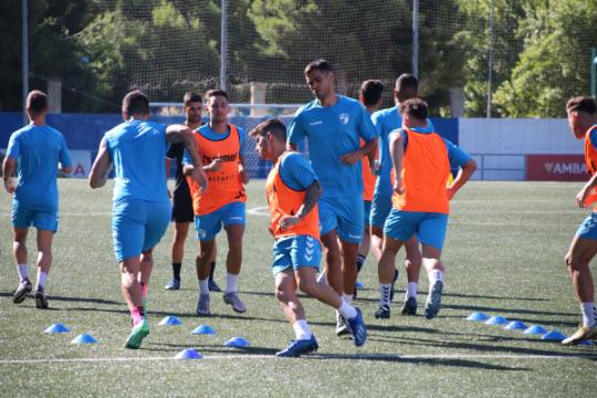 Imagen del entrenamiento de este viernes, previo al partido ante el Utebo   CD Ebro