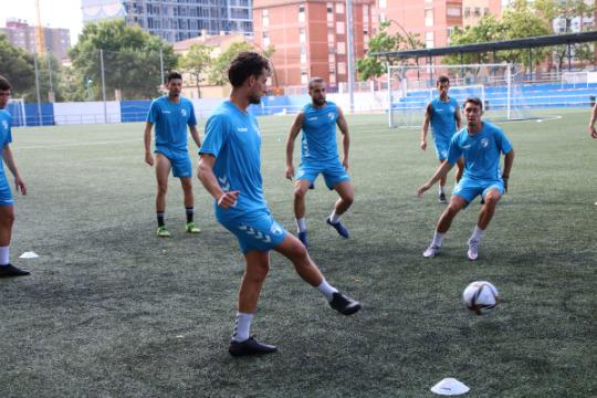 Los jugadores del CD Ebro, durante un entrenamiento   CD Ebro