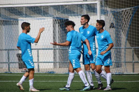 Los jugadores del Ebro celebran el 1-0   CD Ebro