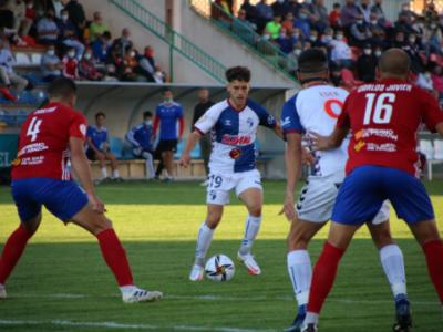 Iñaki Santiago, en un momento del partido ante el Teruel | CD Ebro / Adrián Monserrate