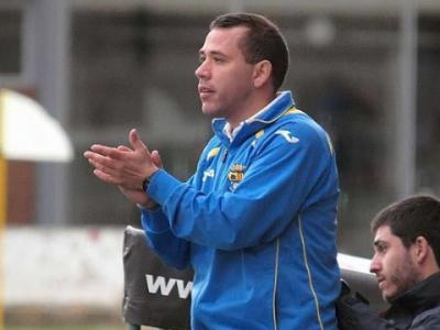 Quique García, nuevo segundo entrenador del CD Ebro, en su paso por el banquillo de la AD Almudévar | Carlos Pascual