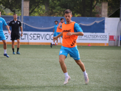 Nando Quesada, durante un entrenamiento | CD Ebro