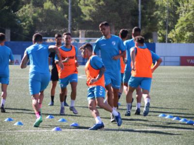 Imagen del entrenamiento de este viernes, previo al partido ante el Utebo | CD Ebro