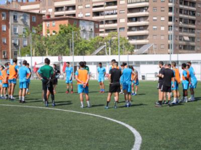 Los jugadores del Ebro, durante el entrenamiento de este viernes | CD Ebro