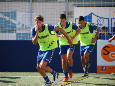 Imagen de un entrenamiento | Adrián Monserrate / CD Ebro