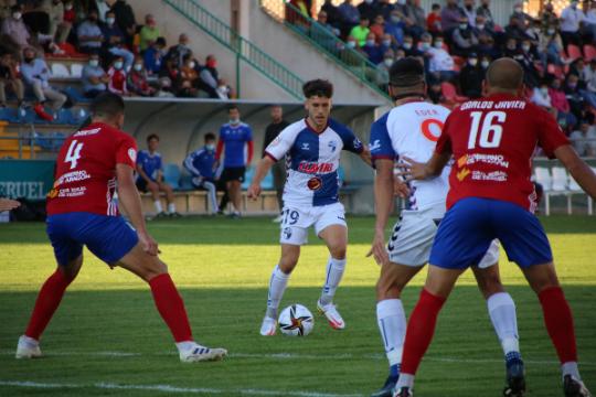 Iñaki Santiago, en un momento del partido ante el Teruel   CD Ebro / Adrián Monserrate