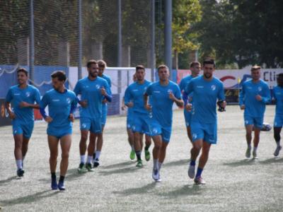 Los jugadores del CD Ebro, durante un entrenamiento | CD Ebro / Adrián Monserrate