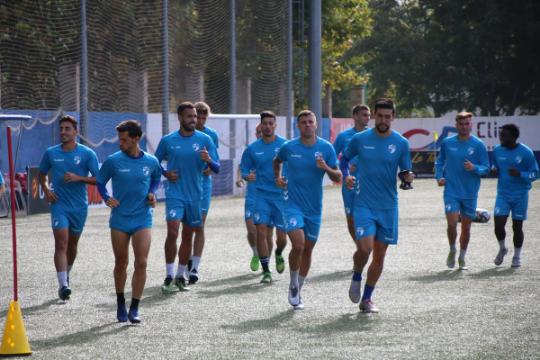 Los jugadores del CD Ebro, durante un entrenamiento   CD Ebro / Adrián Monserrate
